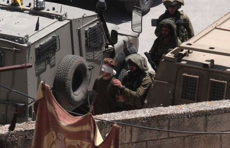 Israeli forces detain two Palestinians from West Bank