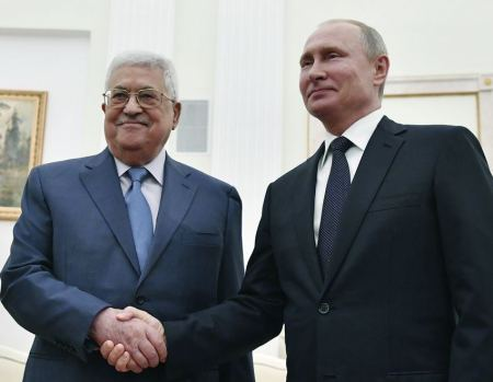 Russian president reaffirms principal stance on solving the Palestinian question