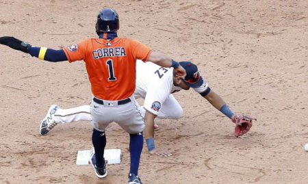 Astros take what they're given in 3-run ninth