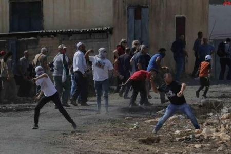 Occupation forces injure five Palestinians in Kafr Qaddum